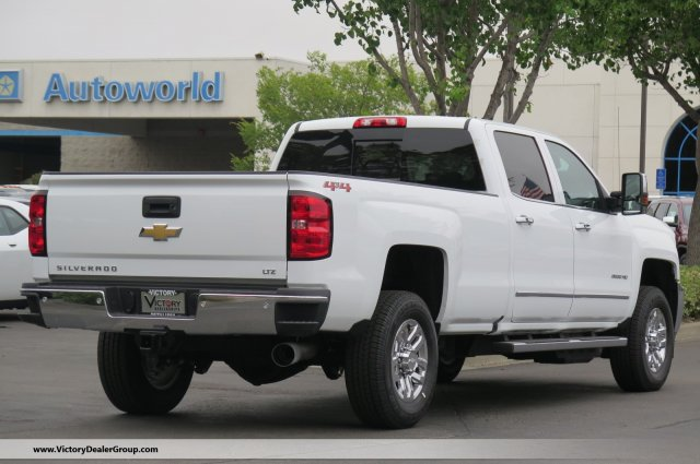 2018 Silverado 3500 Crew Cab 4x4,  Pickup #54814 - photo 2