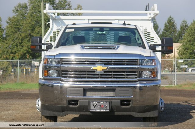 2018 Silverado 3500 Regular Cab DRW 4x2,  Knapheide Contractor Body #F2280 - photo 3