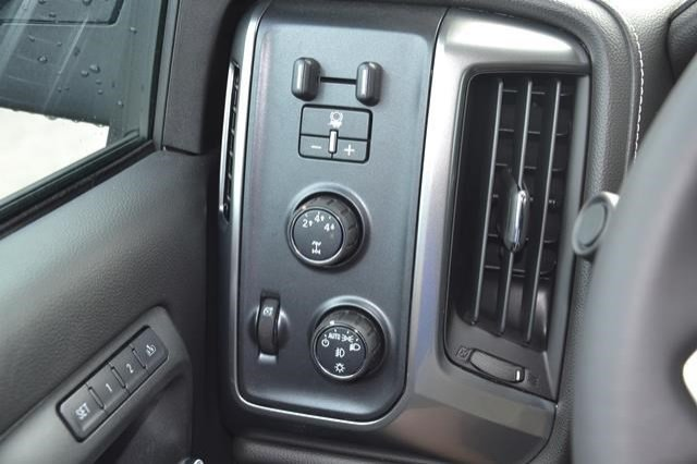 2016 Silverado 2500 Crew Cab 4x4, Pickup #16C741 - photo 18