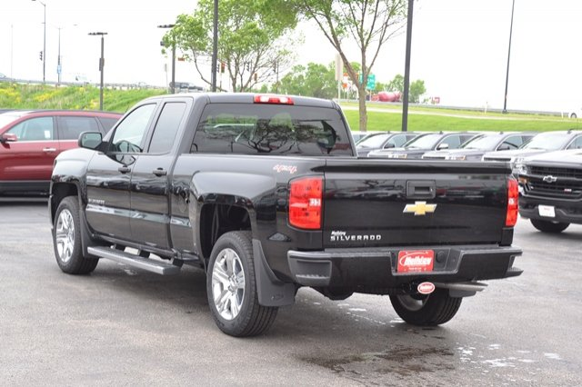 2017 Silverado 1500 Double Cab 4x4, Pickup #17C319 - photo 2