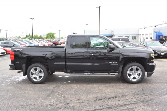 2017 Silverado 1500 Double Cab 4x4, Pickup #17C319 - photo 18