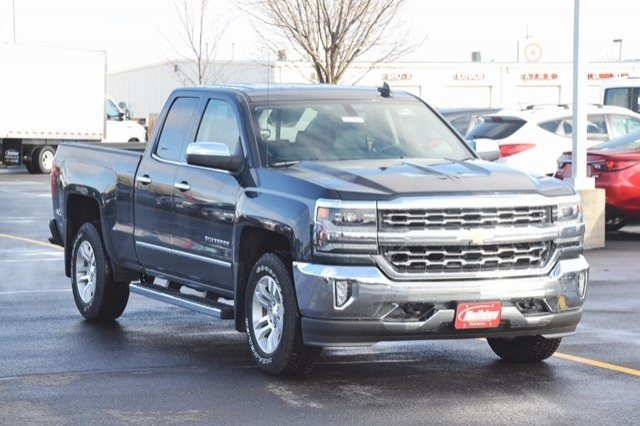 2017 Silverado 1500 Double Cab 4x4, Pickup #17C361 - photo 5