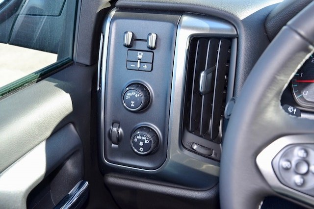 2017 Silverado 1500 Crew Cab 4x4, Pickup #17C376 - photo 18