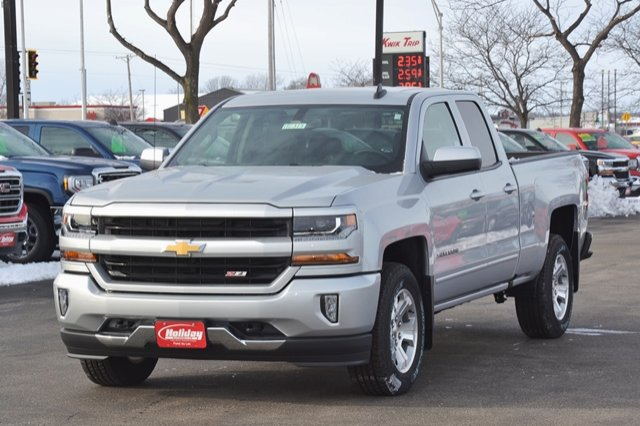 2017 Silverado 1500 Double Cab 4x4, Pickup #17C391 - photo 3