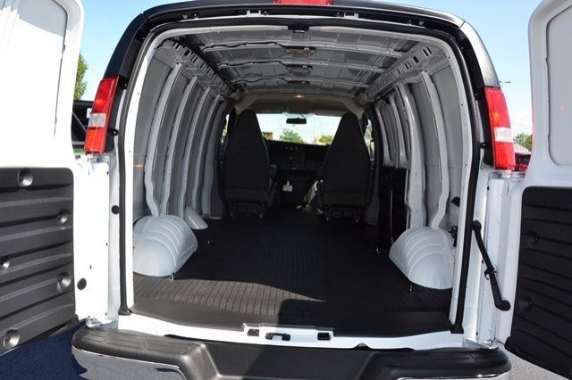 2017 Express 3500 Cargo Van #17C44 - photo 9