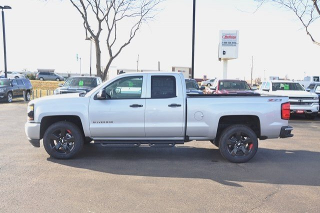 2017 Silverado 1500 Double Cab 4x4, Pickup #17C468 - photo 3