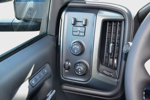 2017 Silverado 2500 Crew Cab 4x4, Pickup #17C498 - photo 21