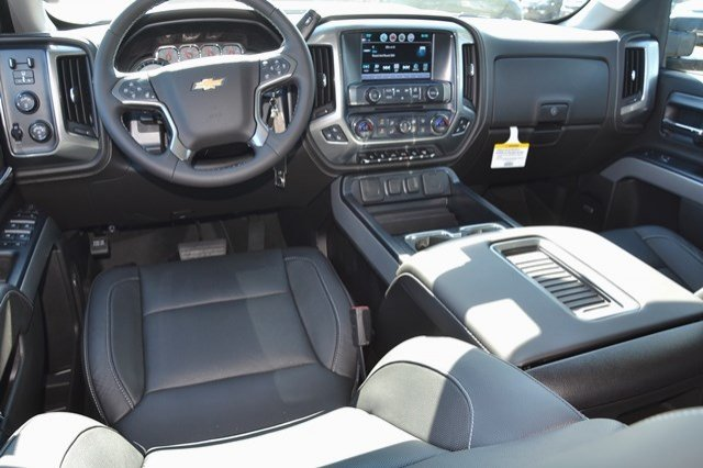 2017 Silverado 2500 Crew Cab 4x4, Pickup #17C591 - photo 19