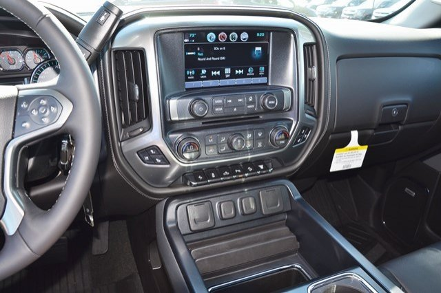 2017 Silverado 2500 Crew Cab 4x4, Pickup #17C591 - photo 24