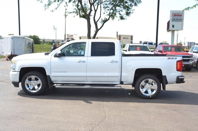 2017 Silverado 1500 Crew Cab 4x4 Pickup #17C751 - photo 4