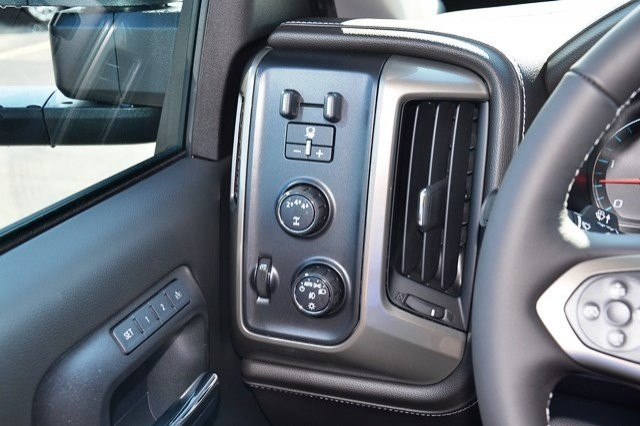 2018 Silverado 2500 Crew Cab 4x4, Pickup #18C104 - photo 22