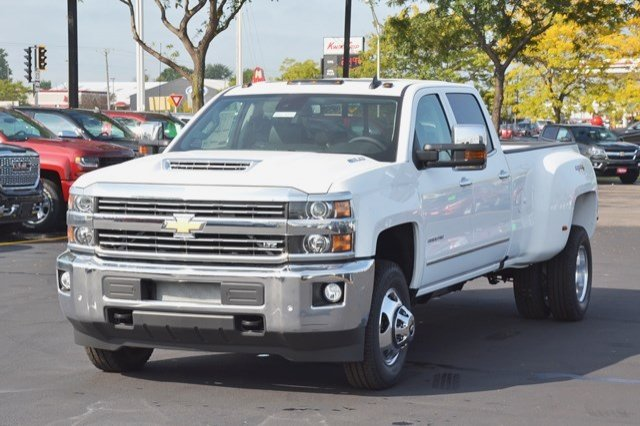 2018 Silverado 3500 Crew Cab 4x4, Pickup #18C114 - photo 3