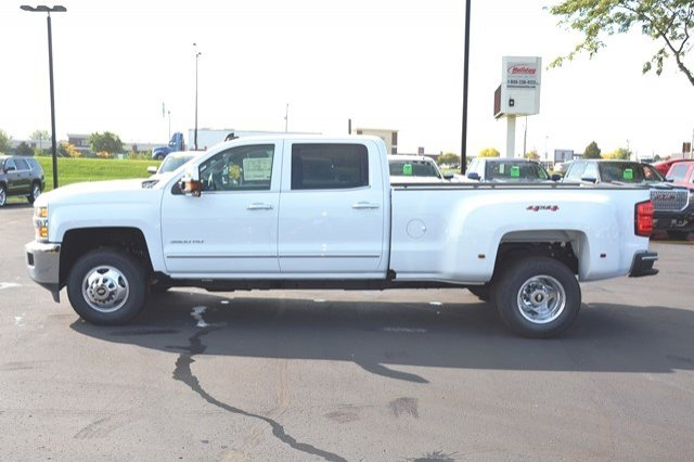 2018 Silverado 3500 Crew Cab 4x4, Pickup #18C114 - photo 4