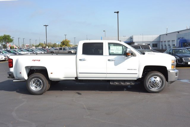 2018 Silverado 3500 Crew Cab 4x4, Pickup #18C114 - photo 7