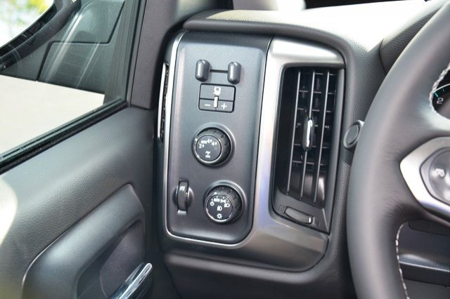 2018 Silverado 1500 Crew Cab 4x4 Pickup #18C149 - photo 21