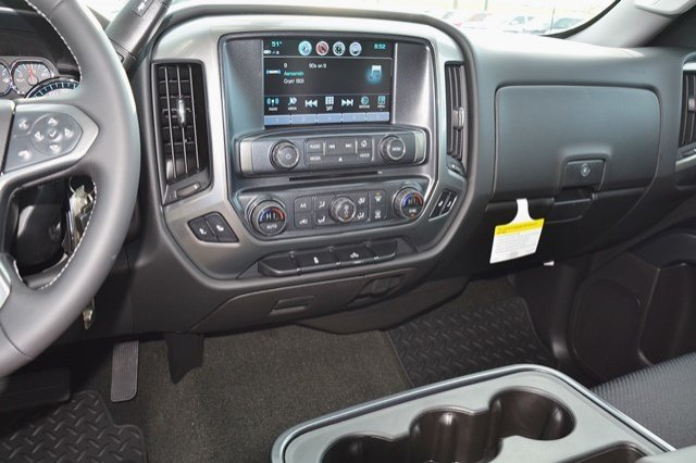 2018 Silverado 1500 Crew Cab 4x4 Pickup #18C149 - photo 22