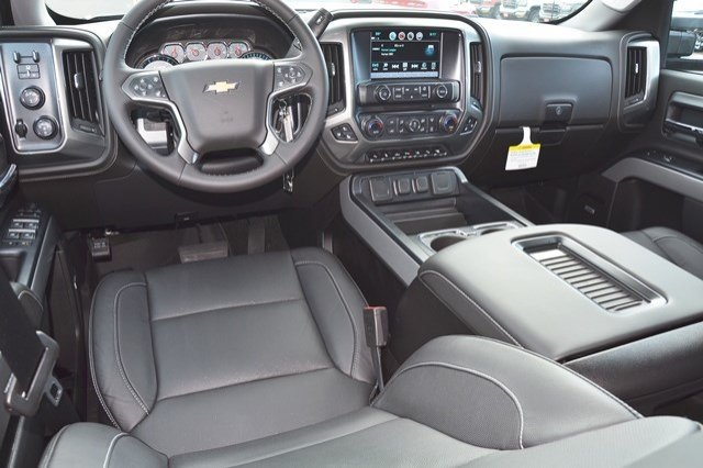 2018 Silverado 2500 Crew Cab 4x4, Pickup #18C181 - photo 18