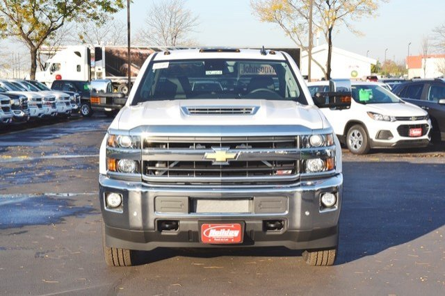 2018 Silverado 3500 Crew Cab 4x4, Pickup #18C208 - photo 9