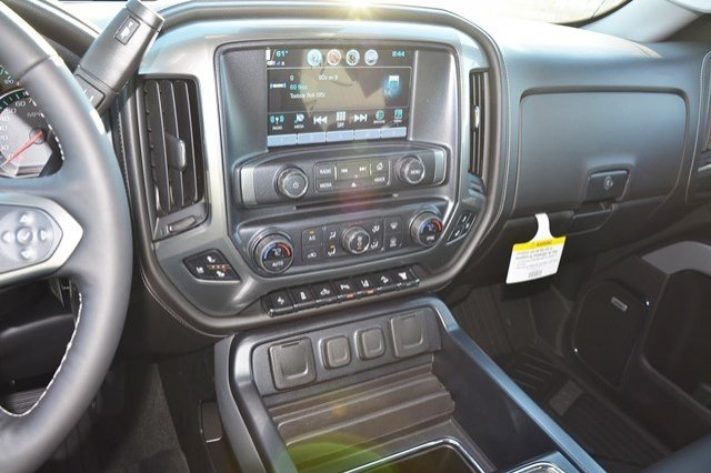 2018 Silverado 3500 Crew Cab 4x4, Pickup #18C208 - photo 23