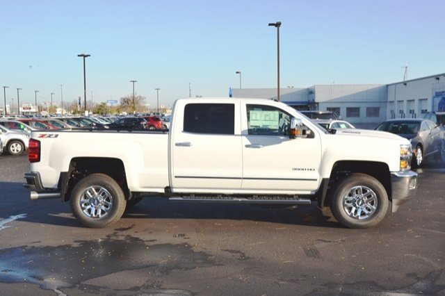 2018 Silverado 3500 Crew Cab 4x4, Pickup #18C208 - photo 7