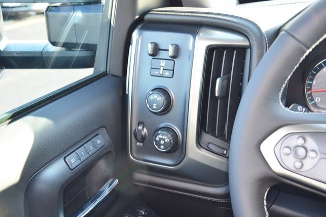 2018 Silverado 2500 Crew Cab 4x4, Pickup #18C209 - photo 21