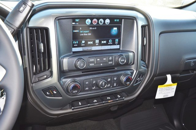 2018 Silverado 2500 Crew Cab 4x4, Pickup #18C209 - photo 23
