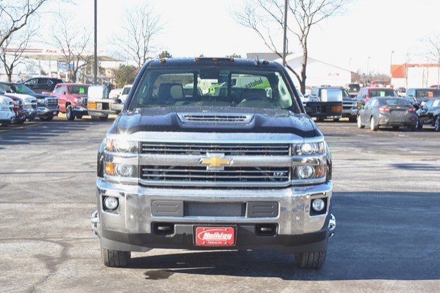 2018 Silverado 3500 Crew Cab 4x4 Pickup #18C341 - photo 9