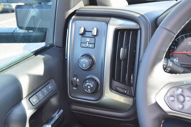 2018 Silverado 3500 Crew Cab 4x4 Pickup #18C341 - photo 22