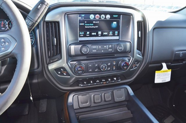 2018 Silverado 3500 Crew Cab 4x4 Pickup #18C341 - photo 24