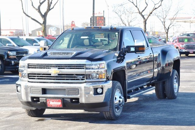 2018 Silverado 3500 Crew Cab 4x4 Pickup #18C341 - photo 4