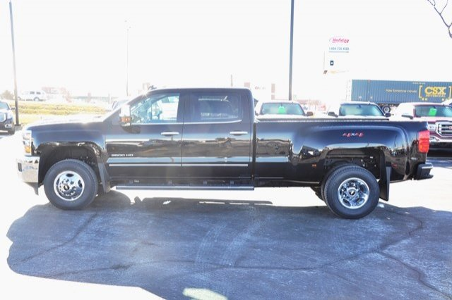 2018 Silverado 3500 Crew Cab 4x4 Pickup #18C341 - photo 5