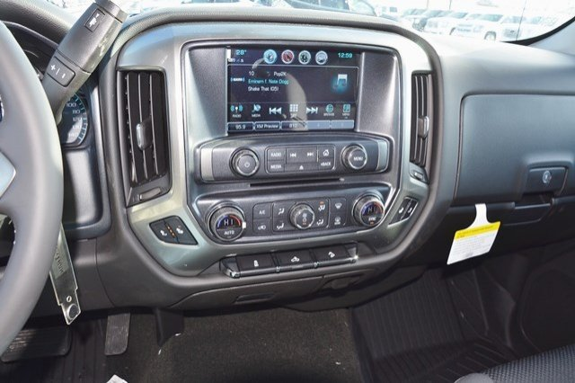 2018 Silverado 1500 Crew Cab 4x4 Pickup #18C372 - photo 23
