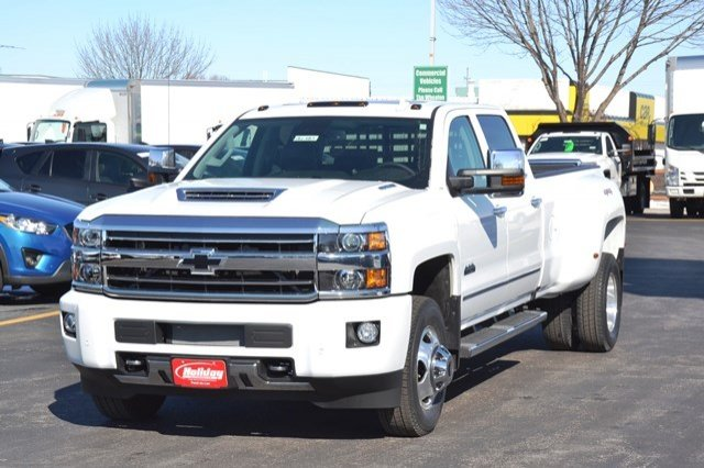 2018 Silverado 3500 Crew Cab 4x4, Pickup #18C483 - photo 3