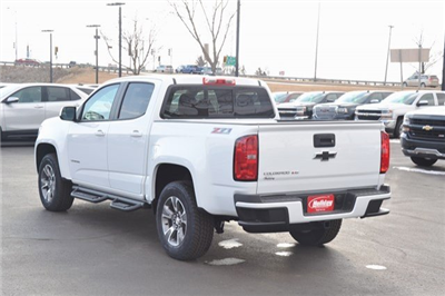2018 Colorado Crew Cab 4x4, Pickup #18C494 - photo 2