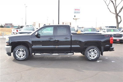 2018 Silverado 1500 Double Cab 4x4, Pickup #18C540 - photo 4