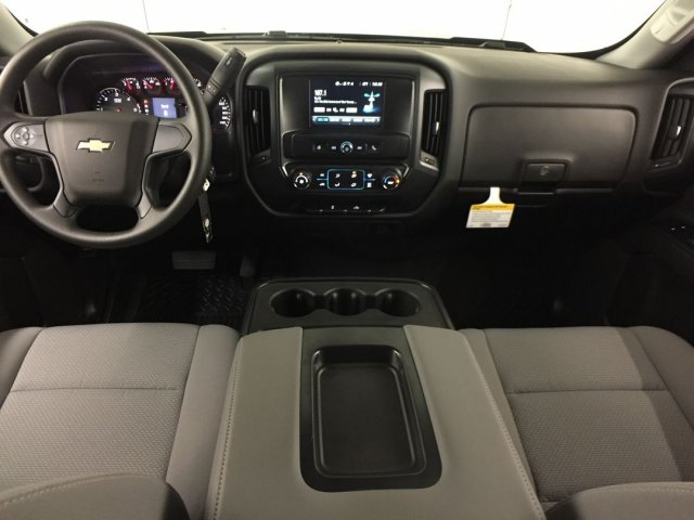 2018 Silverado 1500 Crew Cab 4x4,  Pickup #18C894 - photo 20