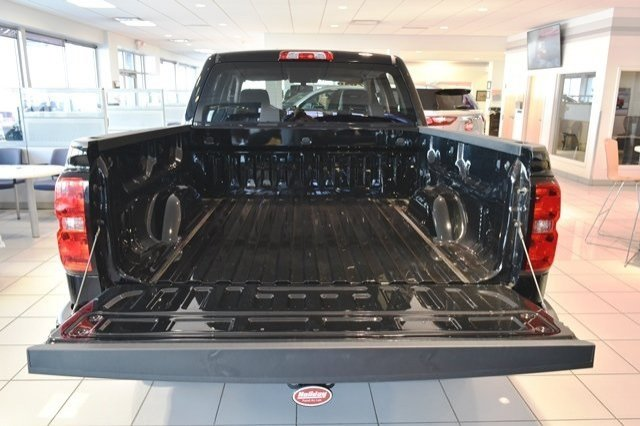2018 Silverado 1500 Crew Cab 4x4,  Pickup #18C914 - photo 12