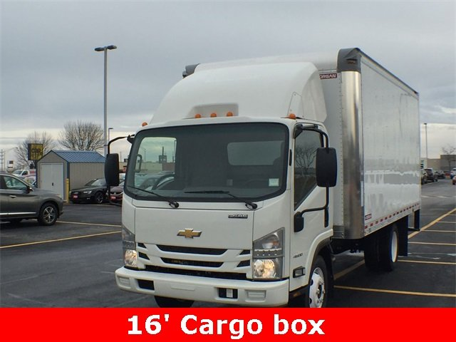 2018 LCF 4500 Regular Cab 4x2,  Morgan Fastrak Dry Freight #18C931 - photo 3