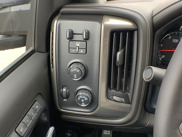 2019 Silverado 2500 Crew Cab 4x4,  Pickup #19C335 - photo 25