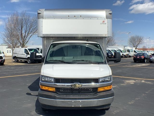 2019 Express 3500 4x2,  Supreme Cutaway Van #19C462 - photo 3