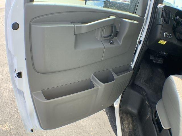 2019 Express 3500 4x2,  Supreme Cutaway Van #19C462 - photo 17