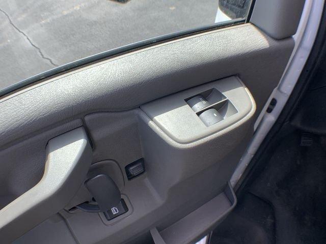 2019 Express 3500 4x2,  Supreme Cutaway Van #19C462 - photo 18