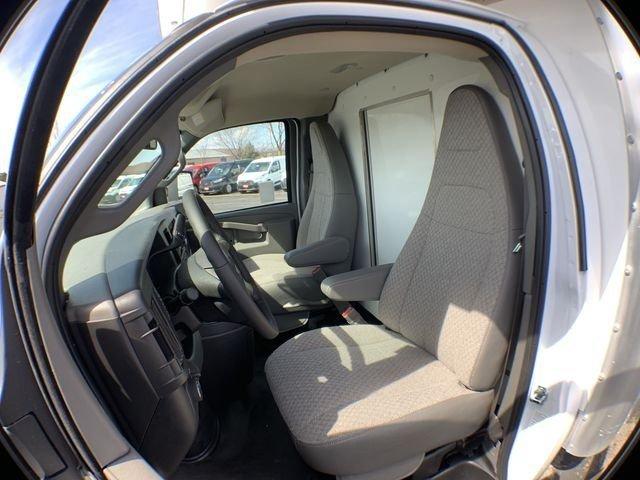 2019 Express 3500 4x2,  Supreme Cutaway Van #19C462 - photo 19