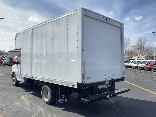2019 Express 3500 4x2,  Supreme Cutaway Van #19C462 - photo 9