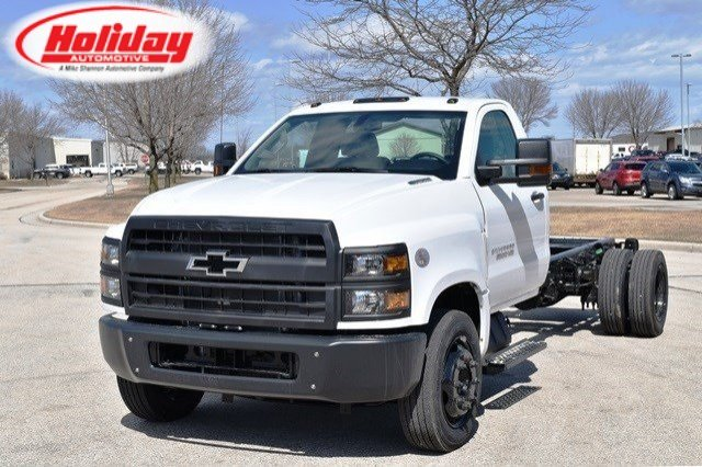 2019 Silverado Medium Duty 4x2,  Cab Chassis #19C497 - photo 1