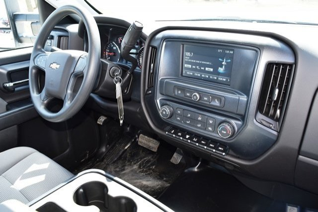 2019 Silverado Medium Duty 4x2,  Cab Chassis #19C497 - photo 18
