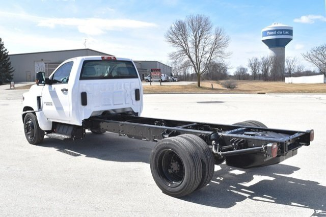 2019 Silverado Medium Duty 4x2,  Cab Chassis #19C497 - photo 2