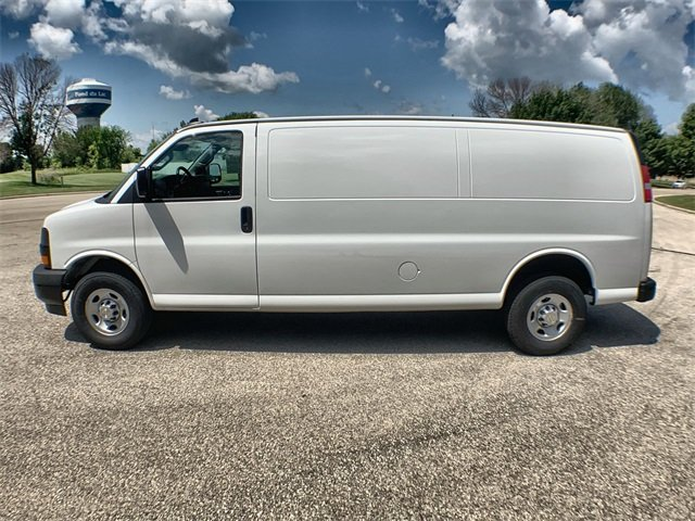 2019 Express 2500 4x2,  Empty Cargo Van #19C730 - photo 3