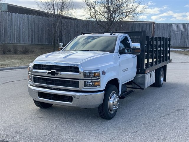 2019 Silverado 5500 Regular Cab DRW 4x2, Monroe Stake Bed #19C812 - photo 19