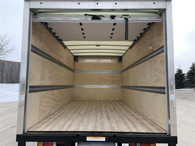 2019 LCF 4500 Regular Cab 4x2, Morgan Fastrak Dry Freight #19C850 - photo 18